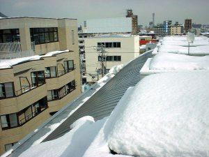 マンション屋根に融雪システムを施工