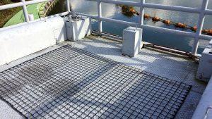 融雪ネットを中津川第二水力発電所制水門上屋根に施工