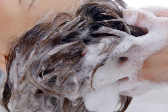 スカルプケアとは、髪の生える頭部地肌、つまり頭皮をケアすることです。