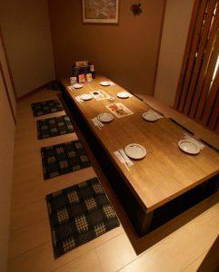 電気式床暖房システム「ゆか暖らん」は、飲食店の掘りごたつに最適です。