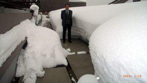 豪雪地域のリゾートマンションに、「融雪マット」は使用されています。