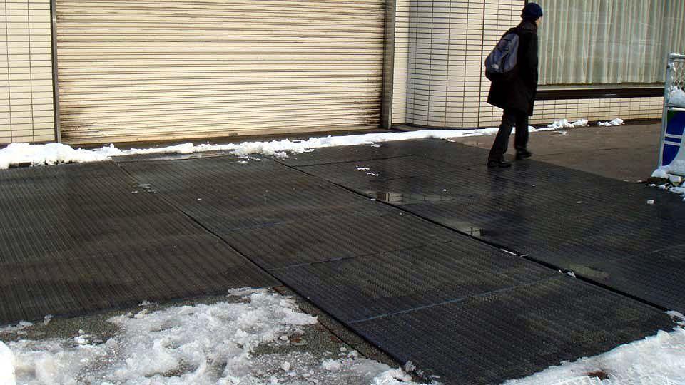 融雪マット(車両乗り入れ可能タイプ) 駐車場、車庫前、自動車が通る事のある歩道などに