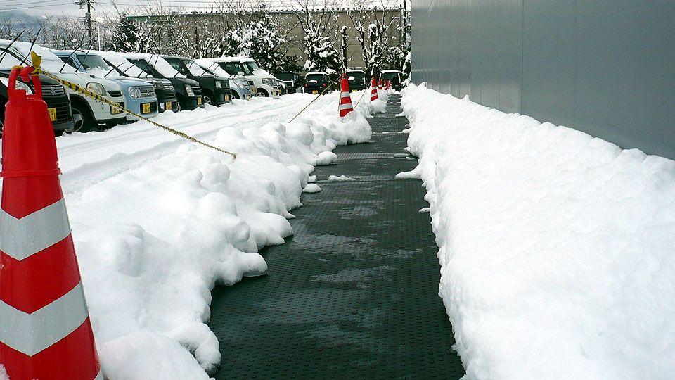 融雪マットの融雪状況