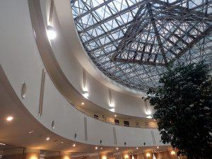 大型リゾートマンションに、LEDダウンライト、高輝度水銀灯代替LEDランプを施工しました。