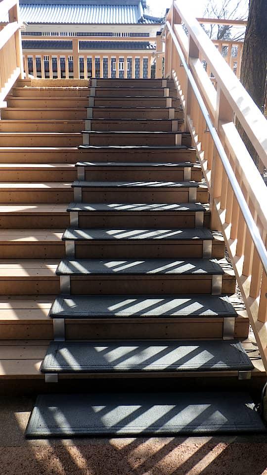 階段に融雪マットを敷設2