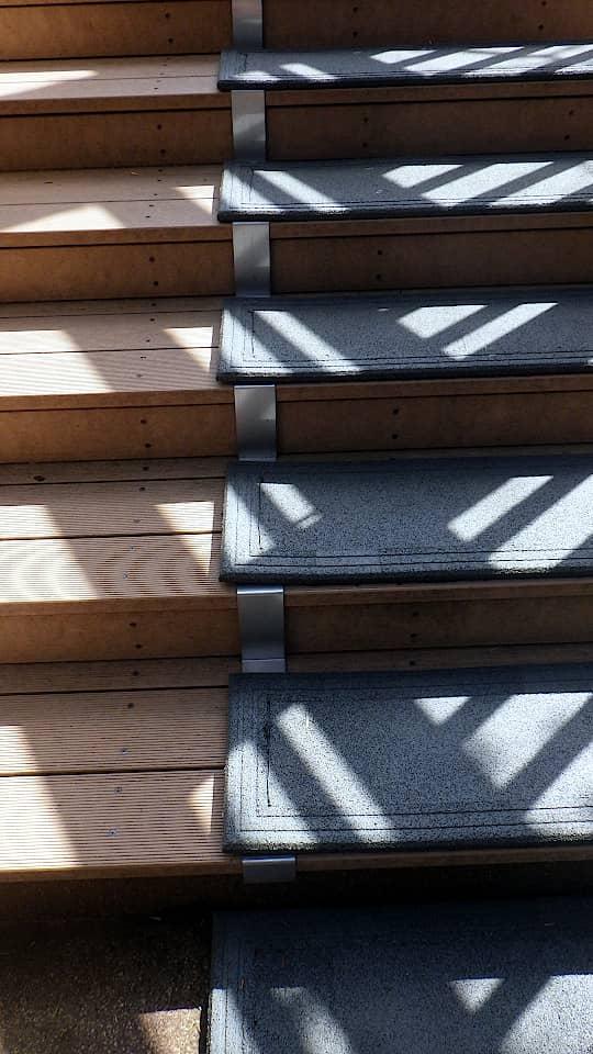 階段に融雪マットを敷設3
